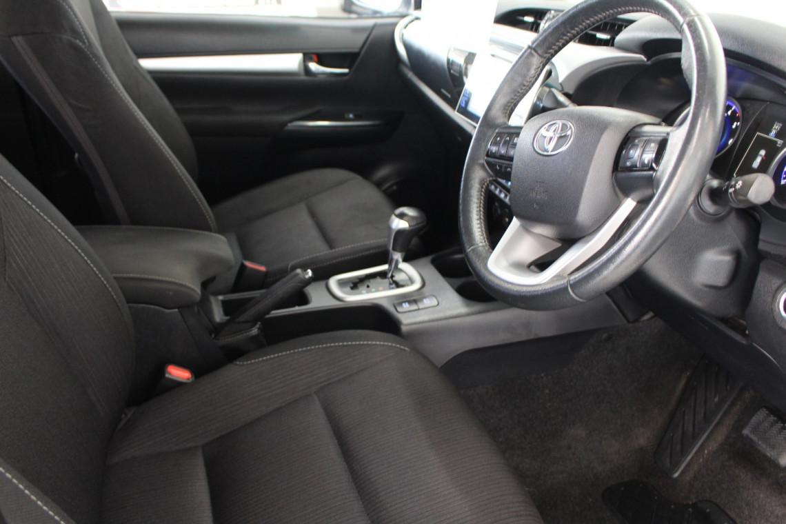 2016 Toyota HiLux GUN126R SR5 Utility Image 8