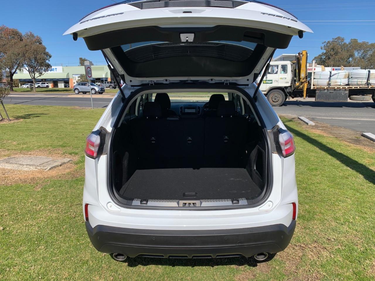 2019 Ford Endura CA Trend Suv Image 10