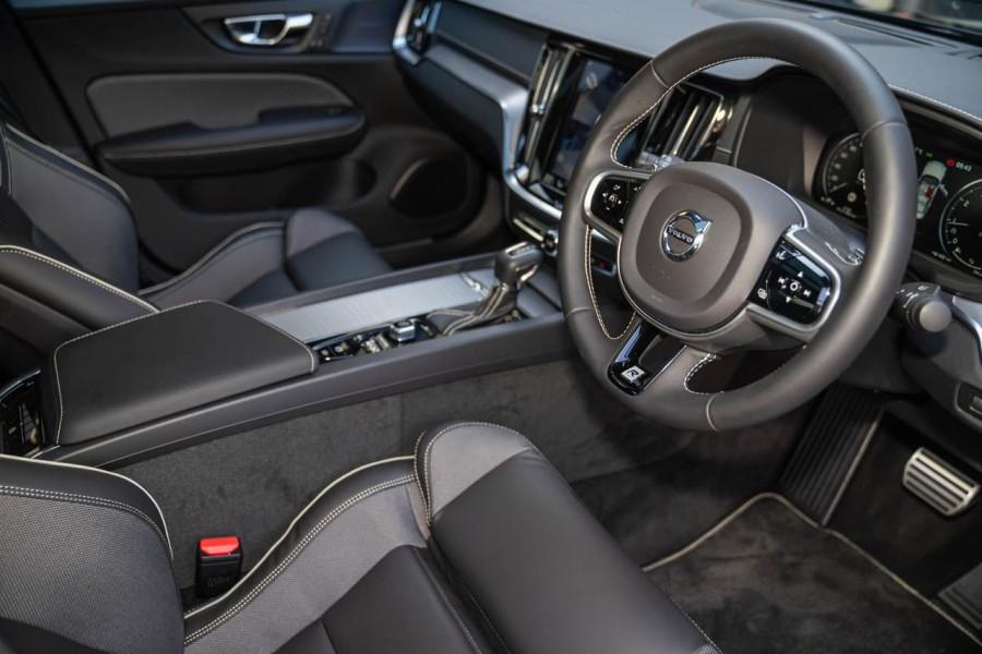 2019 MY20 Volvo S60 Z Series T5 R-Design Sedan Image 4