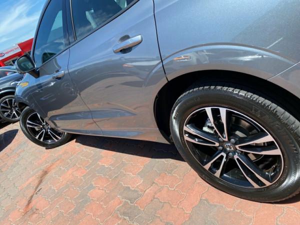 2017 MY18 Volvo XC60 UZ MY18 D4 AWD Momentum Suv Image 5