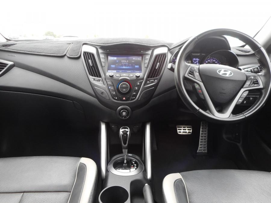 2014 Hyundai Veloster FS3 SR Turbo Hatchback Image 12