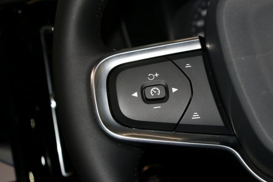 2020 Volvo Xc40 (No Series) MY20 T4 Momentum Suv Image 12