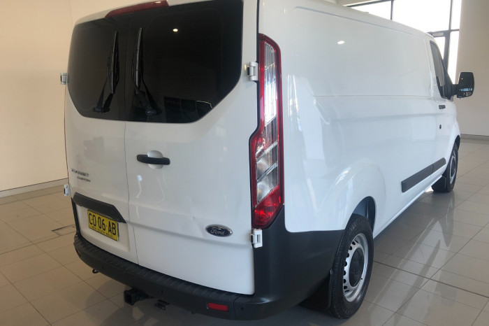 2016 Ford Transit Custom VN 330L Van Image 10