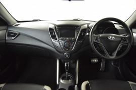 2013 Hyundai Veloster FS2 SR Hatchback Image 5