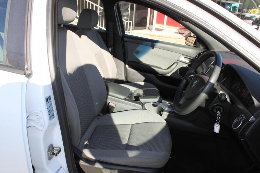 2012 Holden Commodore VE II MY12 Omega Sedan Image 11