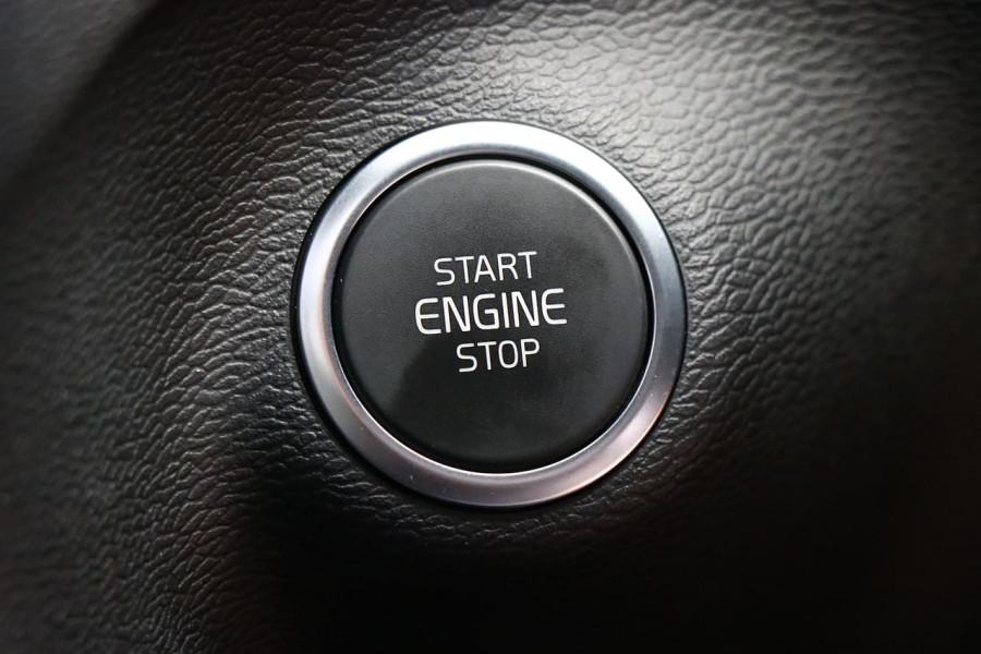 2019 Volvo Xc40 (No Series) MY20 T5 R-Design Suv Image 9