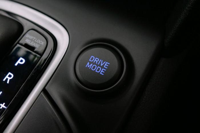 2017 MY18 Hyundai Kona OS Active Suv Image 12