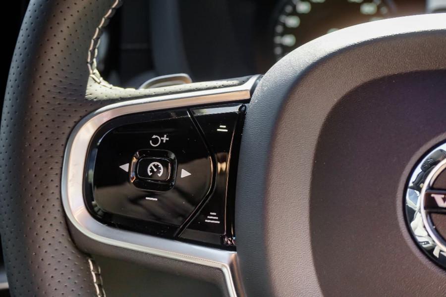 2018 Volvo XC60 UZ T6 R-Design Suv Mobile Image 8