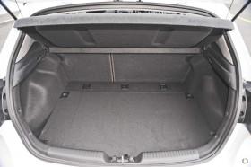 Kia Cerato Hatch S with AV YD