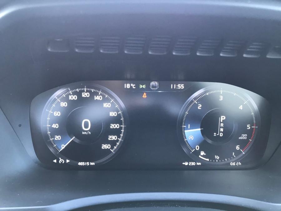 2016 Volvo XC90 Vehicle Description. L  MY16 D5 Inscriptio WAG GEAR 8sp 2.0D D5 Suv Image 11