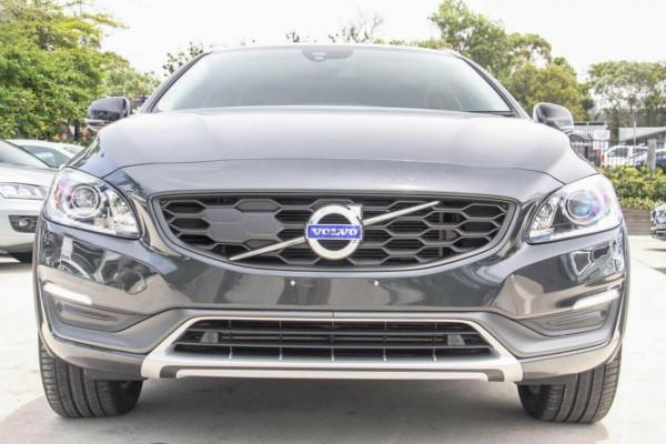 2016 Volvo V60 F MY16 D4 Luxury Cross Country Wagon Image 3