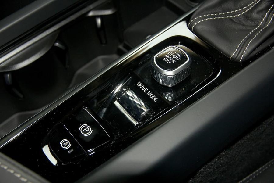 2019 MY20 Volvo S60 Z Series T5 R-Design Sedan Mobile Image 12