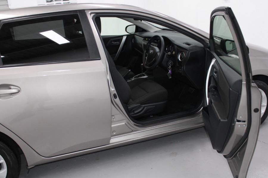2013 Toyota Corolla ZRE182R Ascent Hatchback Image 7