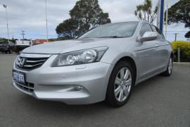 Honda Accord V6 - Luxury 8th Gen  V6