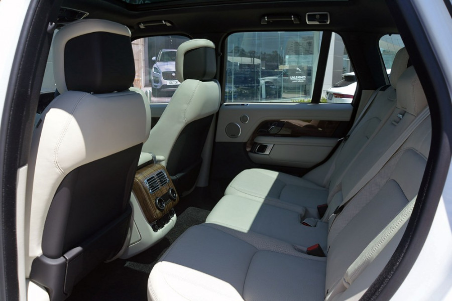 2018 MY19 Land Rover Range Rover L405 Vogue Suv Mobile Image 11
