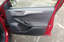 2019 MY19.75 Ford Focus SA  Ambiente Hatchback Mobile Image 8