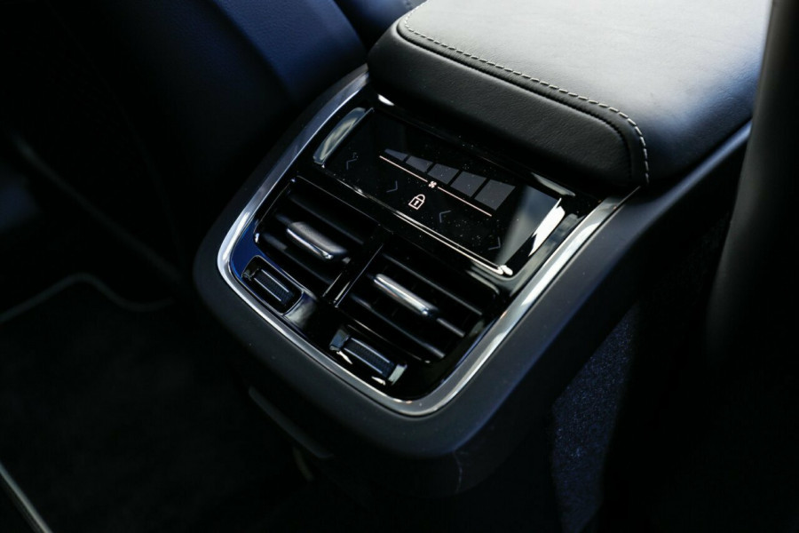 2019 MY20 Volvo XC60 UZ D5 R-Design Suv Image 16