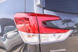 Subaru Forester Premi S5  2.5i