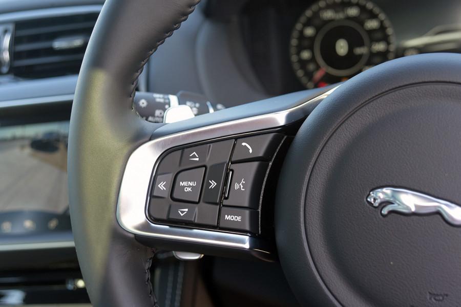 2019 MY20 Jaguar F-PACE X761 R-Sport Suv Mobile Image 21