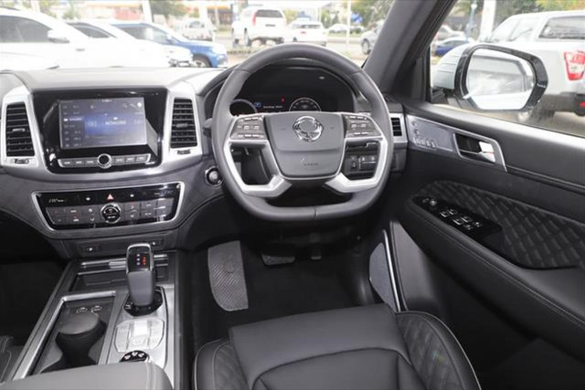 2021 SsangYong Rexton Ultimate 12 of 20