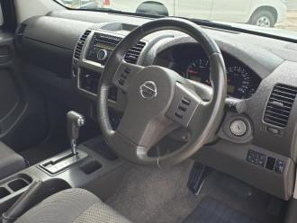 2010 Nissan Navara D40 Turbo ST 4x4 dual cab