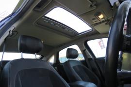 2011 Ford Mondeo MC Titanium TDCi Hatchback image 14