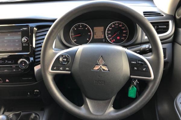 2017 Mitsubishi Triton MQ MY17 GLX+ Utility Image 4