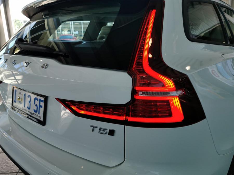 2019 Volvo V60 (No Series) MY20 T5 Momentum Wagon Image 7