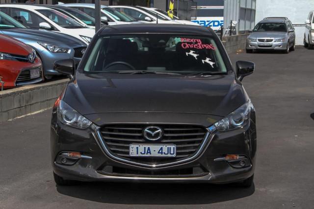 2017 Mazda 3 BN Series Maxx Hatchback Image 4
