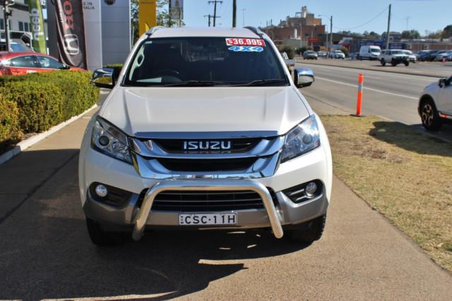 2014 MY15 Isuzu Ute MU-X LS-T Wagon Image 3
