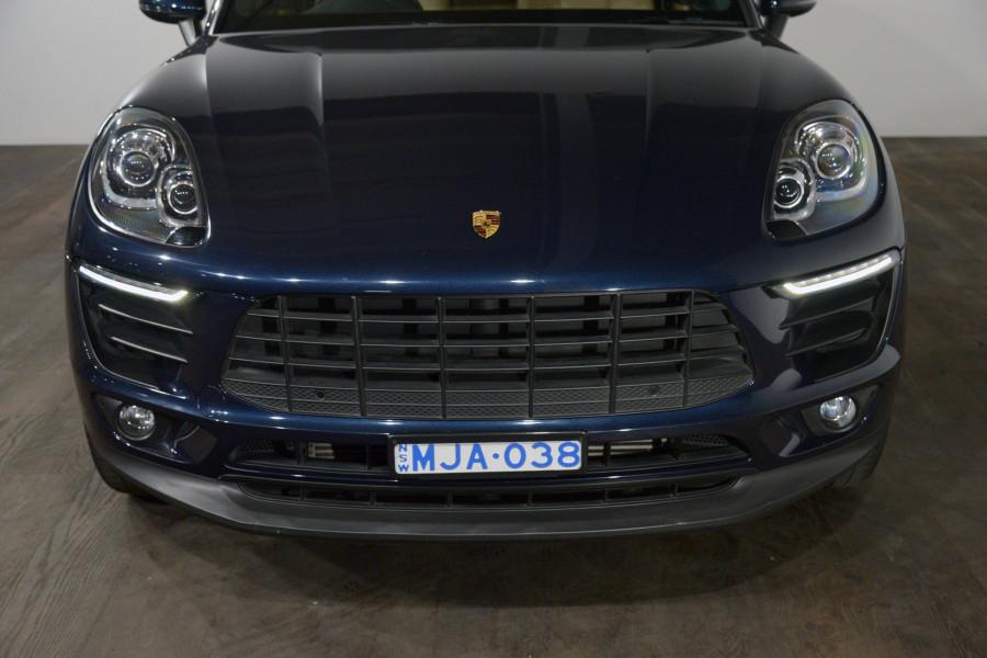 2017 Porsche Macan Macan