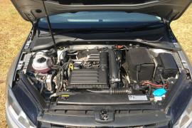 2013 Volkswagen Golf VII 90TSI Hatch Image 3