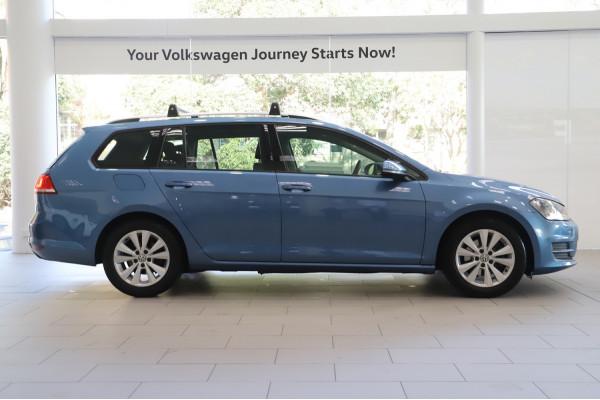2016 Volkswagen Golf VII  92TSI Comfrtline Wagon Image 3