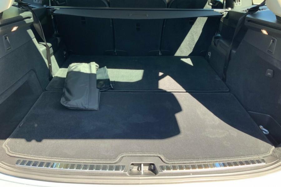 2018 MY19 Volvo XC90 256 MY19 T6 Inscription (AWD) Suv Mobile Image 8