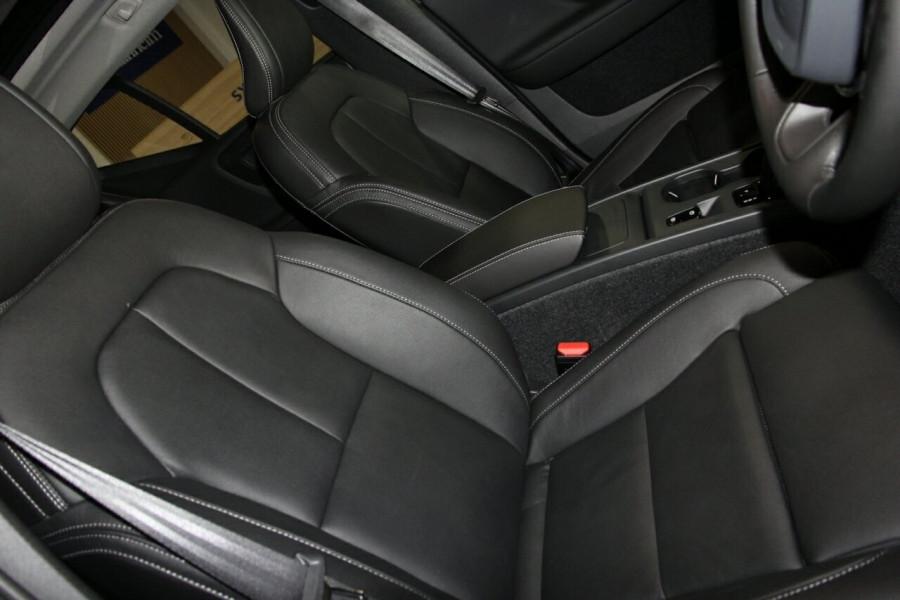 2019 MY20 Volvo XC40 536 MY20 T4 Momentum (FWD) Suv Image 6