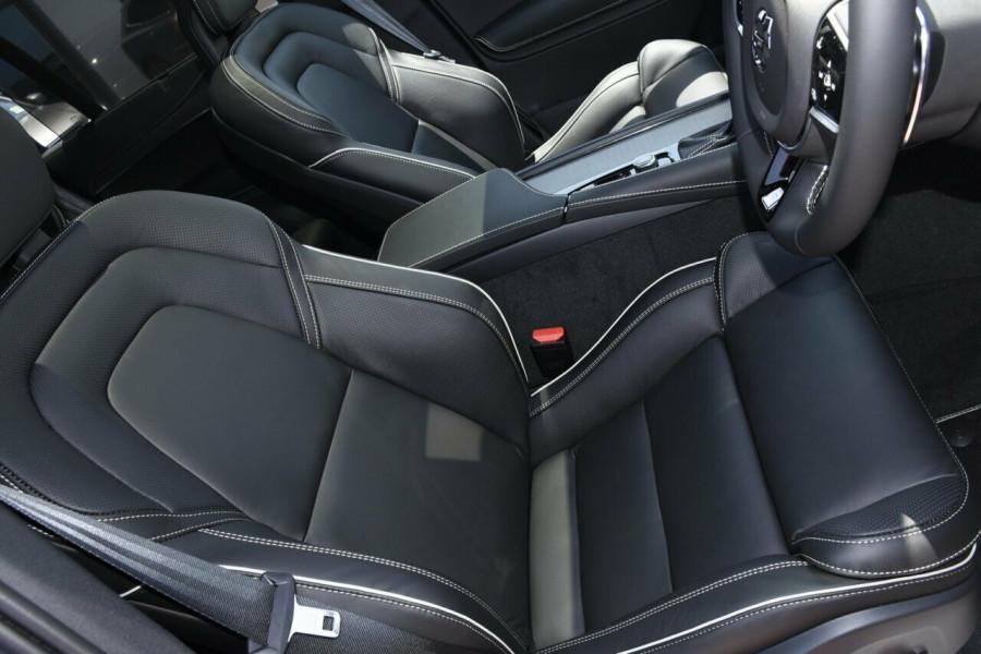 2019 MY20 Volvo XC90 L Series D5 R-Design Suv Image 10