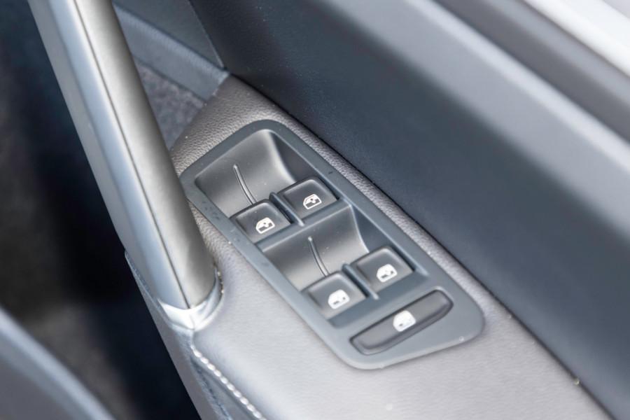 2020 MY0  Volkswagen Golf 7.5 Alltrack 132TSI Premium Wagon Image 18