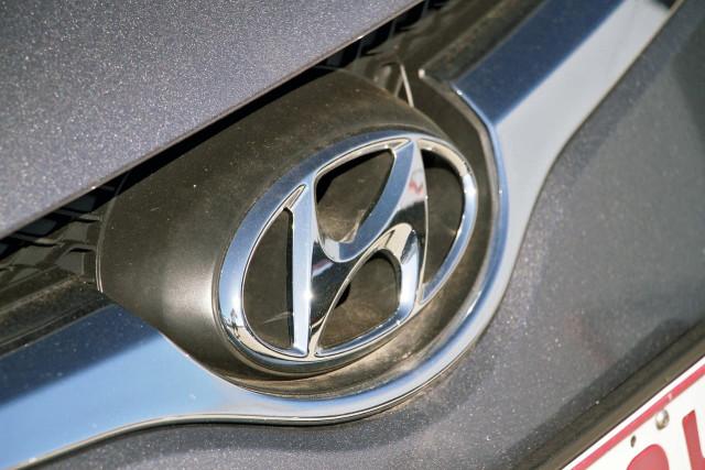 2016 Hyundai Veloster FS5 Series II Hatchback Image 17