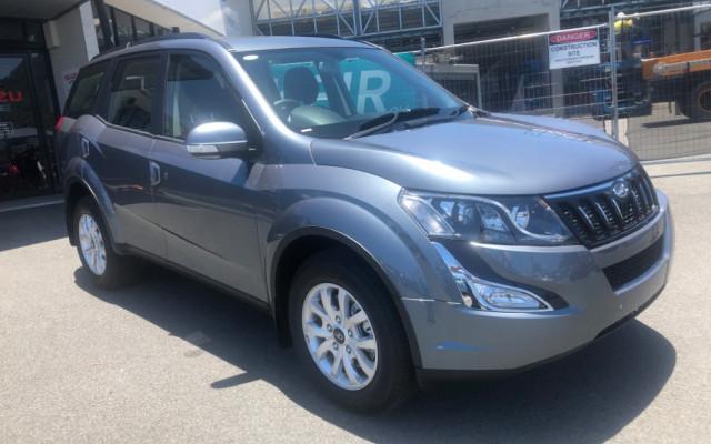2018 Mahindra XUV500 W8 W8 Suv
