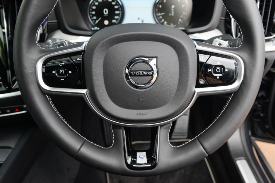 2019 MY20 Volvo S60 Z Series T5 R-Design Sedan Image 9