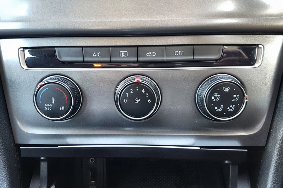 2016 Volkswagen Golf 7 92TSI Hatch Image 11