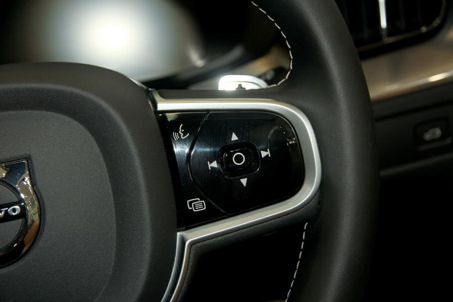 2019 MY20 Volvo XC60 UZ D5 R-Design Suv Image 20