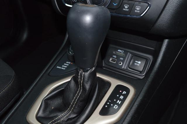 2015 Jeep Cherokee Blackhawk