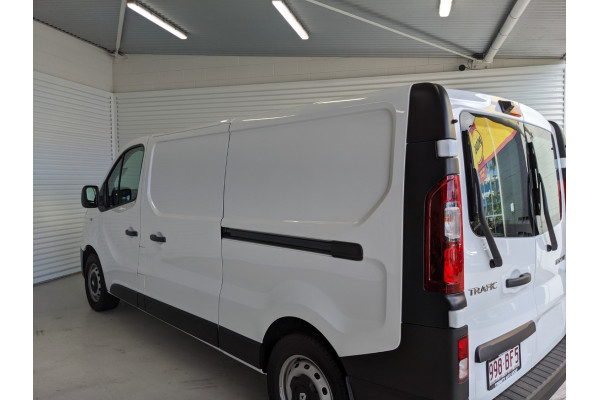 2020 Renault Trafic L2H1 Long Wheelbase Premium Van Image 5