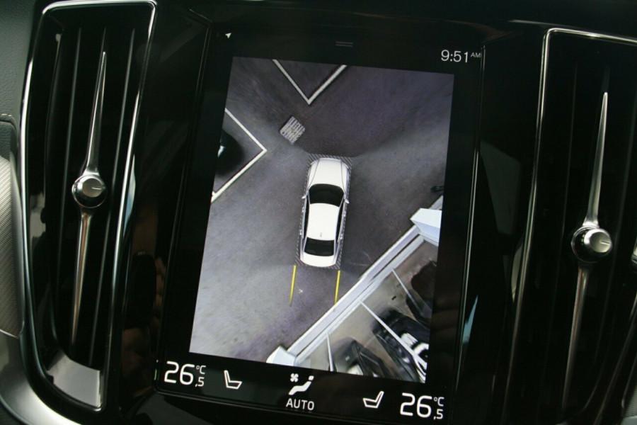 2019 Volvo S60 T8 R-DESIGN Wagon Image 13