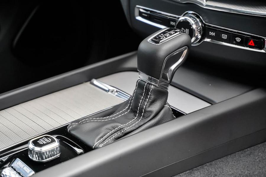 2019 MY20 Volvo XC60 UZ D5 R-Design Suv Mobile Image 15
