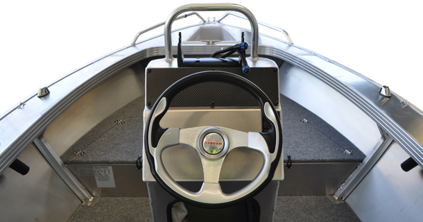 489 Outlaw Centre Console Features