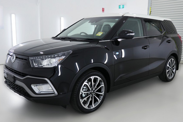 2019 SsangYong Tivoli XLV Ultimate 3 of 26