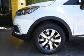 2018 Renault Captur J87 Zen Hatch Image 5