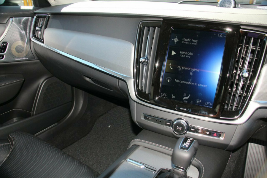 2019 Volvo V90 Cross Country D5 Wagon Mobile Image 10